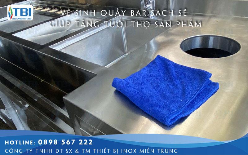 lau-chui-thuong-xuyen-thiet-bi-bep